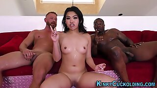 Kinky asian cuckolder mouth spunked