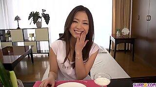 Mayuka Akimoto makes magic - More at Slurpjp.com