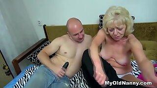 Banging a horny granny