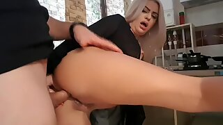 Crazy reaction when Stepson see Step mom's ass- Anal sex