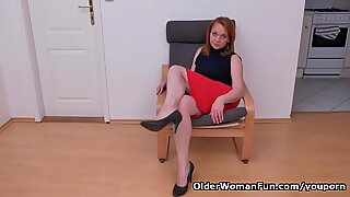 Euro milf Elisabeth loves stripping and playing