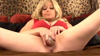 MILF Decides To Squirt