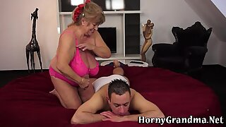 Masseuse granny spunked