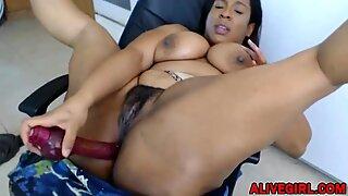 Kinky ebony BBW TheCaramelKitten fucks her big chocolate ass