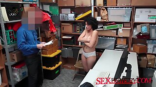 Exotic pussy should be creampied well