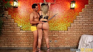 Bigbooty tranny showered with hot spunk