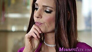 Kinky teen gets licked